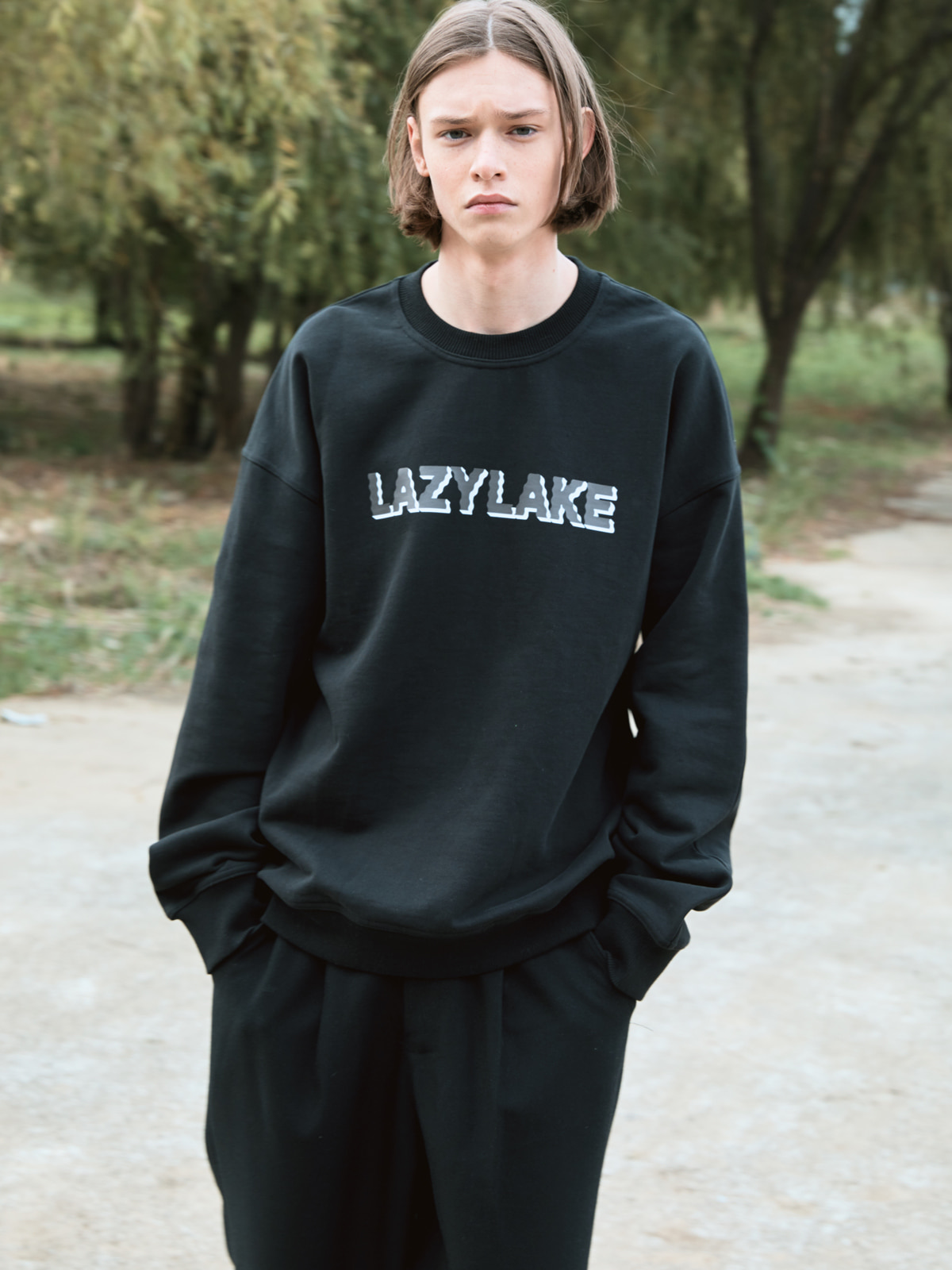 Wavy Logo Sweat shirts BLACK